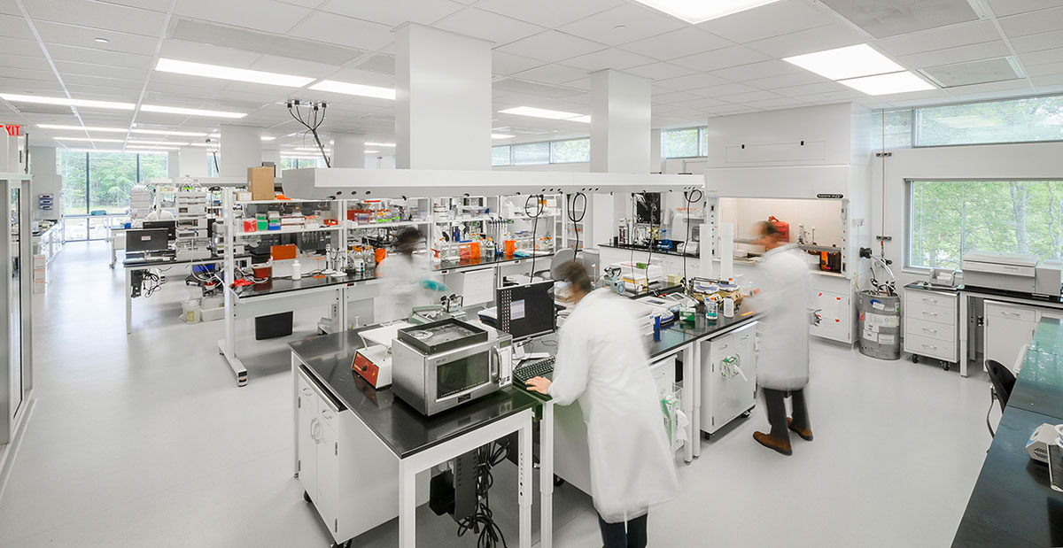 Lab in use with equipment; Bioprocess Innovation Center in RTP, North Carolina; Architect: Clark Nexsen. Photo: Jordan Gray.